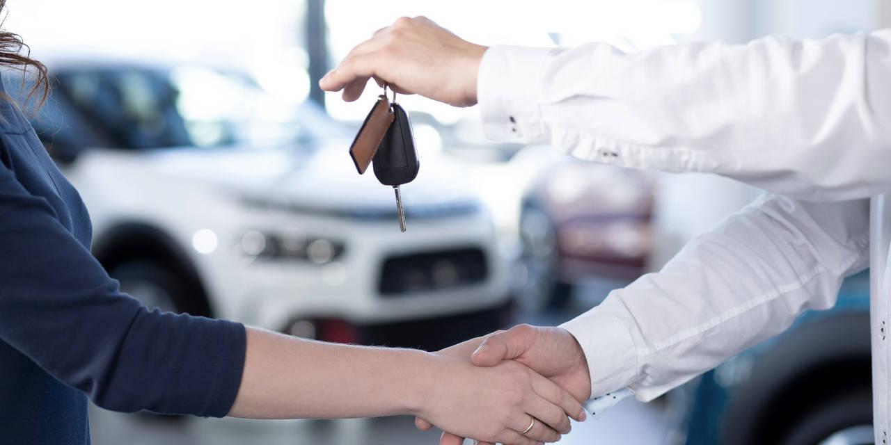 motorista compra carro novo