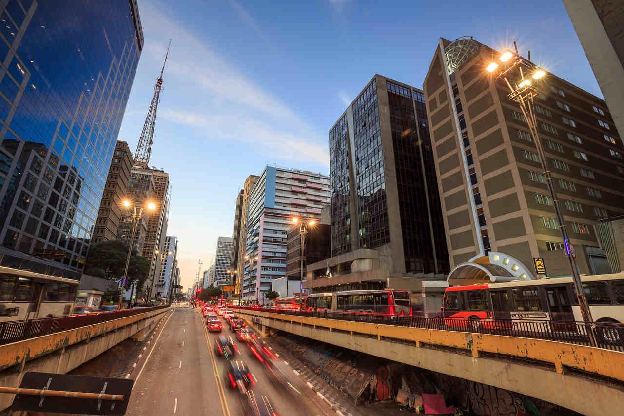 transito sp avenida paulista carros