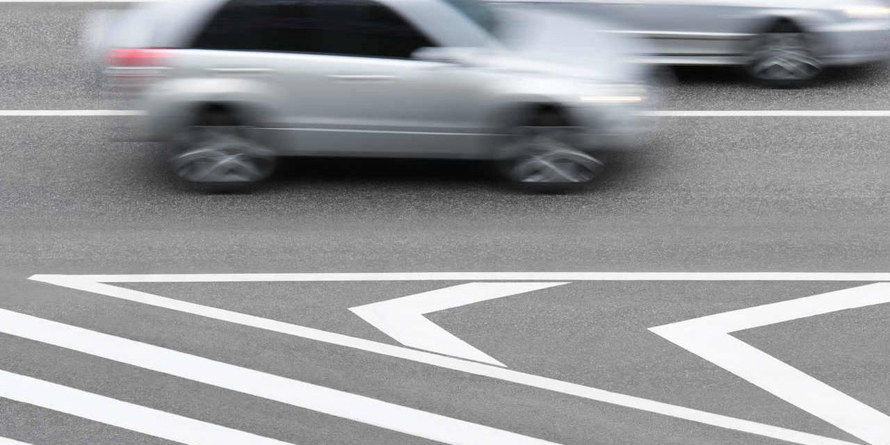 carro toma multa por ameaçar demais veículos